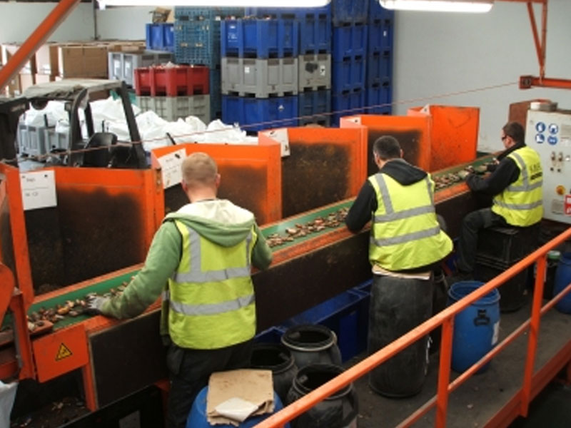 kmk-metals-recycling-battery-sorting